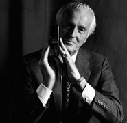 Hubert-de-Givenchy-185_180